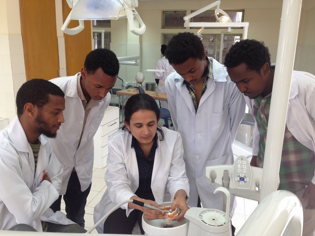 Bhavna Sharma and students at the Addis Ababa University School of Dentistry - photo courtesy Lindsay Louwagie.
