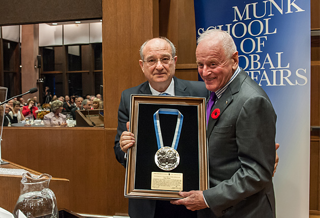 Peter Munk presented Medal of Honour by Technion Israel Institute of Technology