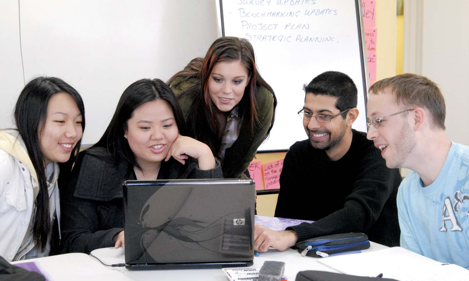 develops students' abilities as educators and their leadership and presentation skills