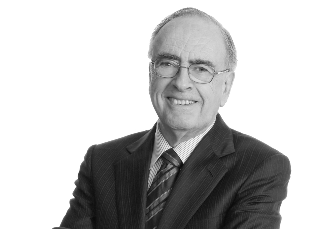 Distinguished alumnus R. Douglas Elliott recognized by LGBT Purge Fund with gift of new UofT Law fellowships