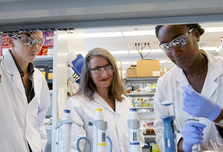 U of T and Amgen Foundation partner on prestigious scholarship program